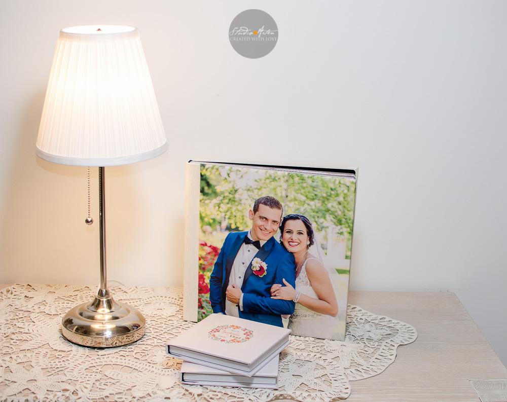 Album de nunta, album nunta personalizat cu fotografia miriilor. Legatura de piele, foi cartonate.