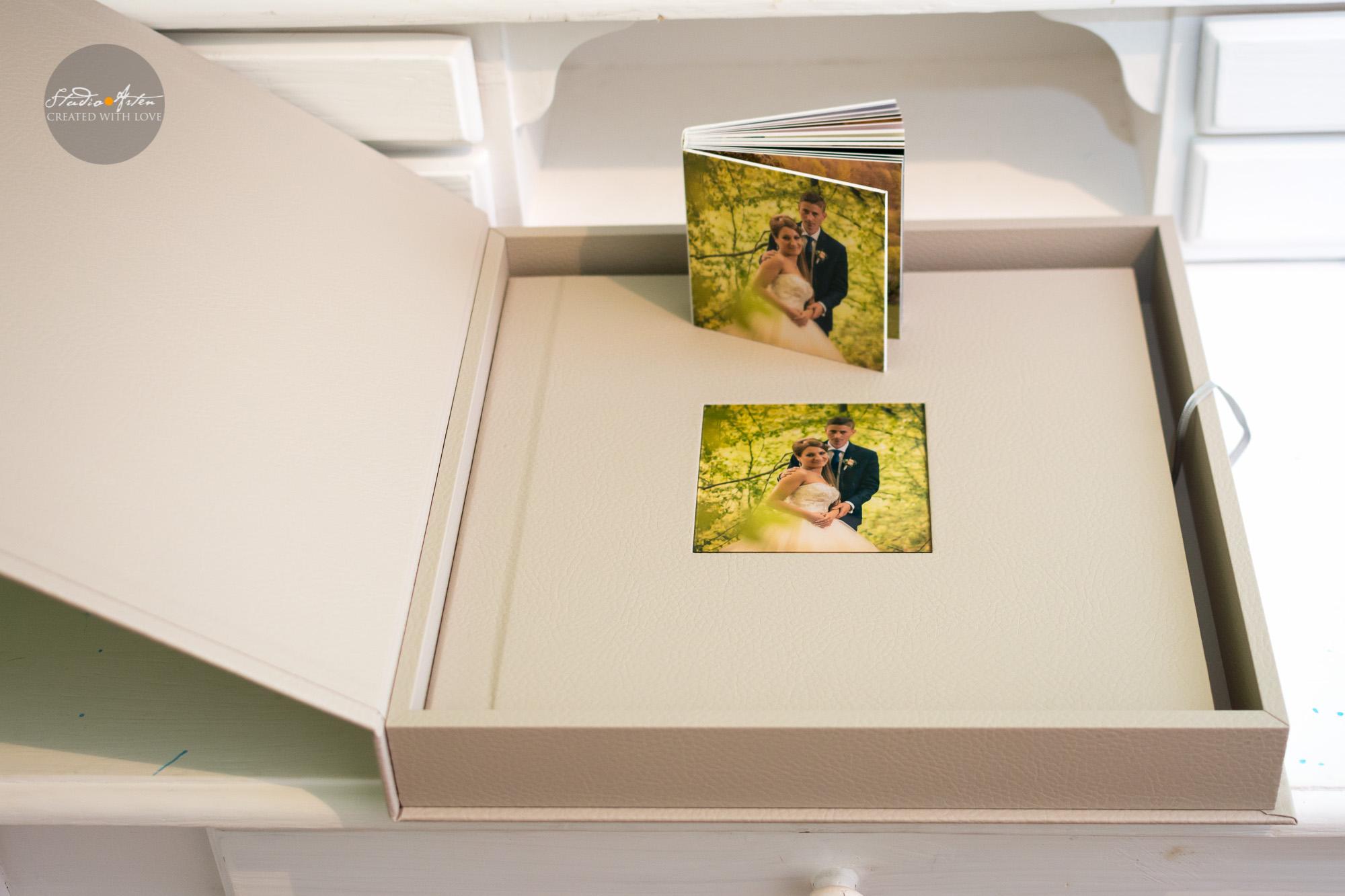 album nunta, fotografii nunta, fotograf profesionist nunta mures, coperta personalizata, piele ecologica, cutie personalizata, amintirile tale, album de nunta digital,
