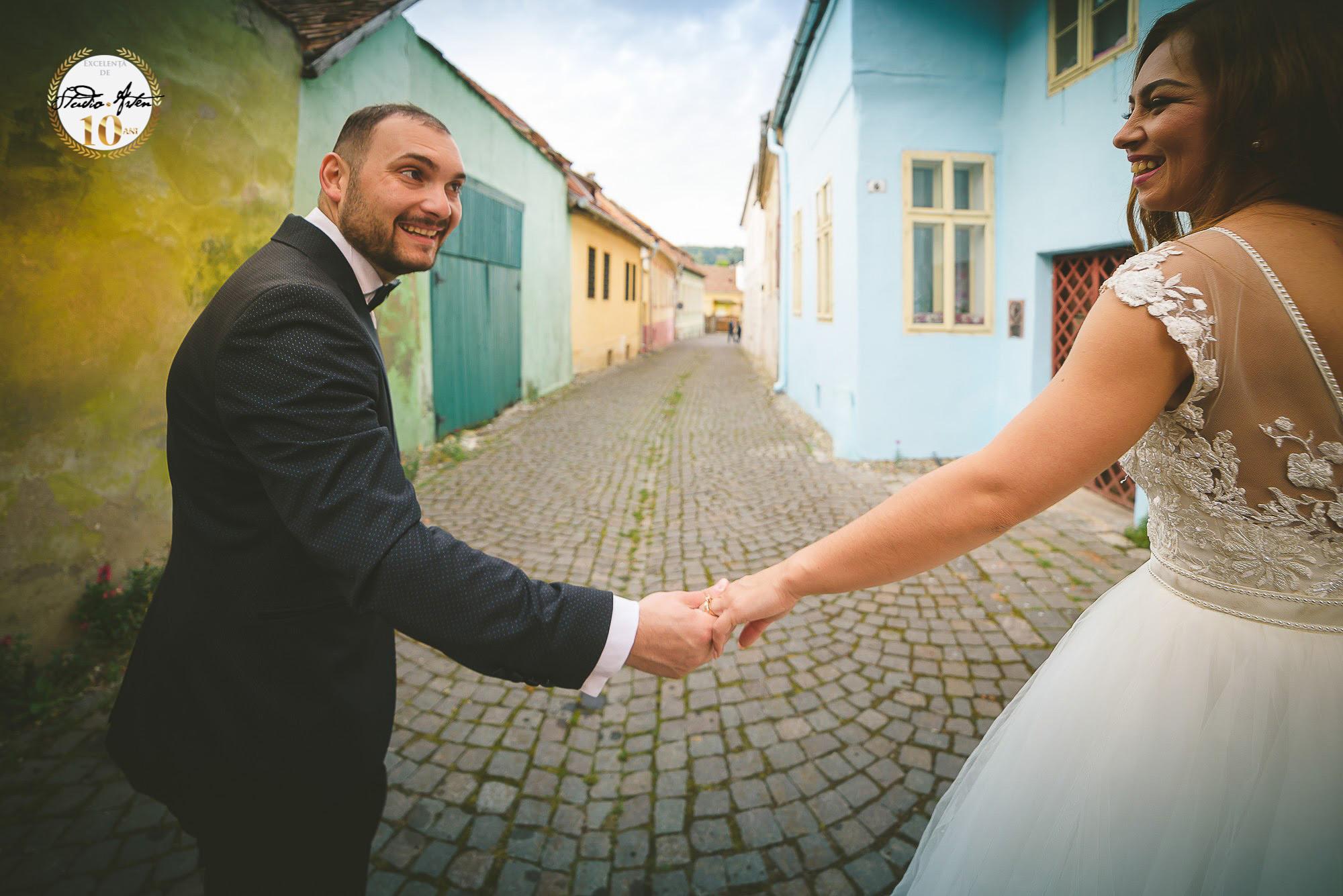 Fotograf nunta mures, fotografii de nunta, sedinta foto nunta, foto logodna, foto nunta, poze nunta, trash the dress, album nunta personalizat, Studio Arten