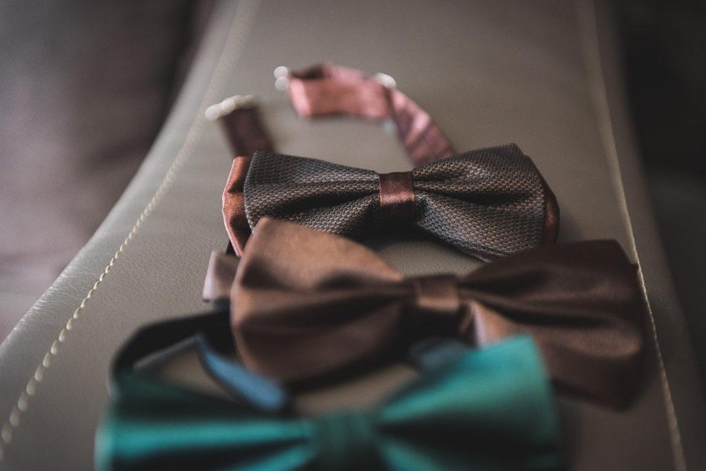 accesoriile mirelui, a vőlegény kiegészítői, picus nyakkendő, papion, papioane,