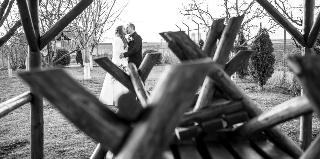 fotografie de nunta, eskuvoi fotozás, esküvő foto,mire, mireasa, naplemente, apus de soare, lumina de iarna, happy bride, mireasa fericita, boldog menyasszony,